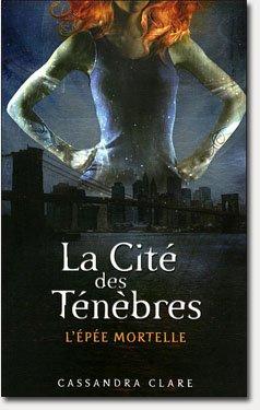 J' ai commencé a lire la cité des ténèbres