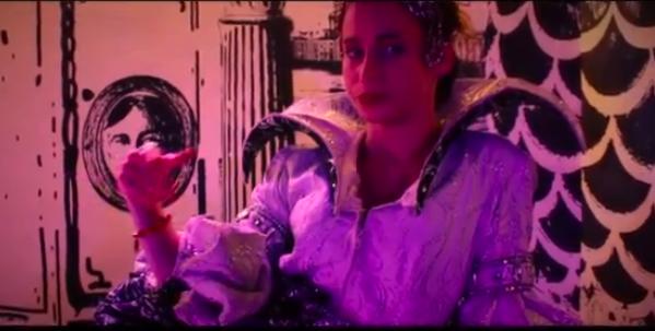 Apparition de Juliette et Simon dans le clip pour Erezia