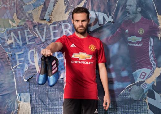 nuova maglia Manchester United Juan Mata 2017-2018