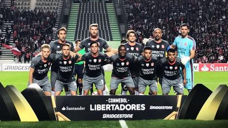 seconda maglia Estudiantes de La Plata per la stagione 2017-2018