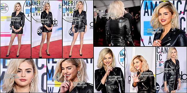 """○ Selena était présente aux """" AMAS Awards """" au Microsoft Théatre à Los Angeles. Le 19 / 11 / 2017. J'aime beaucoup sa tenue et sa nouvelle couleur de cheveux. Je lui donne un Top et Vous ?"""
