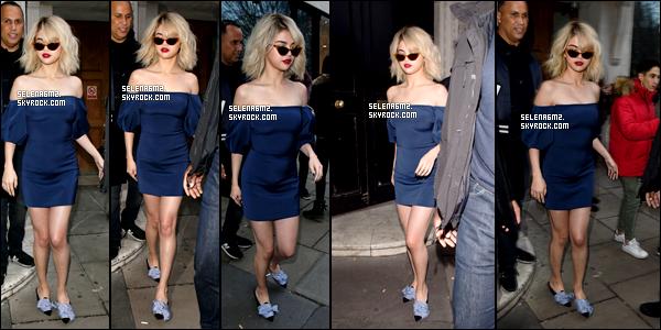 ○ Selena à été vu quittant son hôtel à Londres. Le 04 / 12 / 2017. J'aime beaucoup sa robe, elle simple mais sa lui va bien. Je lui donne un Top et Vous ?