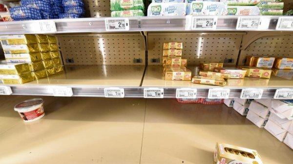 Pénurie de beurre en Normandie : les agriculteurs ne veulent pas porter le chapeau