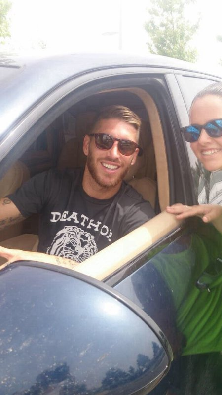 Sergio Ramos avec des fans