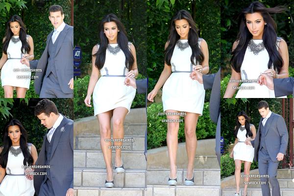 . 4 Octoblre 2011 ▬ Kim et son ex mari Kris ont été vus quittant leurs domicile.  .