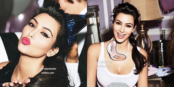 """. Pour fêter la nouvelle année 2012 les 3 soeurs Kardashian avait fait un Photoshoot pour le Magazine""""Glamour""""  ."""