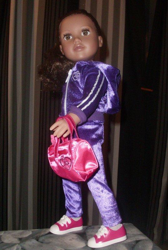 Après vous avoir présenté les nouvelles tenues des Journey Girls dans leurs emballages d'origine les voici portées :