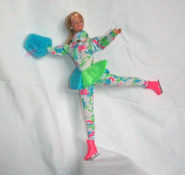 Mes poupées Barbie, disparues elles aussi dans l' incendie...