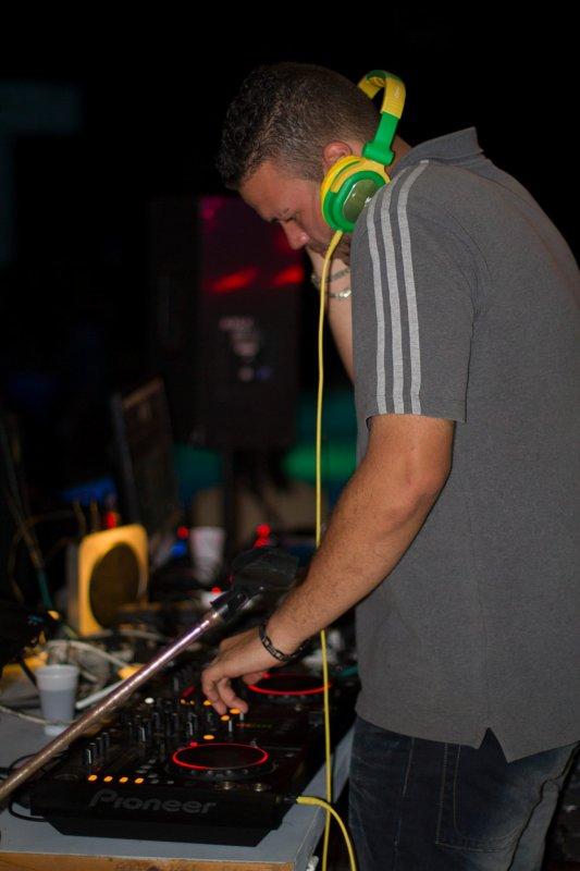 DJ BIG UP