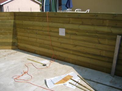Projecteur construction d 39 une piscine bois maeva for Spot piscine bois
