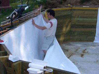 Feutre de paroi construction d 39 une piscine bois maeva for Pose feutre piscine