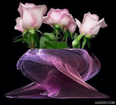 من يحبك حقا . يقرؤك وقت صمتك يرى طيبتك وقت غضبك . يشعر بحنانك في قسوتك يري حزنك خلف إبتسامتك يستوعبك وقت عنادك . ويتحملك وأنت في أسوأ حالاتك