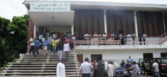 GDE-COMORE  / JUSTICE : ENTRE LE VILLAGE  ET LE TRIBUNAL
