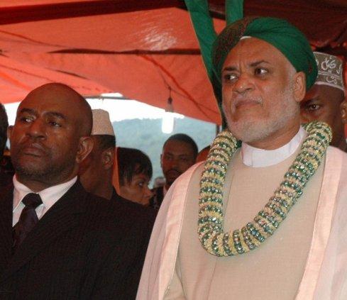 COMORES: UNE MASCARADE QUI POURRAIT SE RETOURNER CONTRE L'OPPOSITION