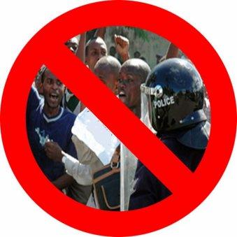 COMORES : Des citoyens en colère interdits de manifester