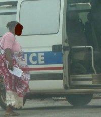 COMORES : Une femme frappée à coups de matraque au CRA de Mayotte