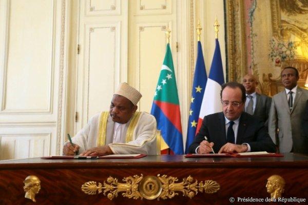 """Une déclaration d'amitié entre la France et l'Union des Comores... qui évite le mot """"Mayotte"""" - 21 juin 2013"""