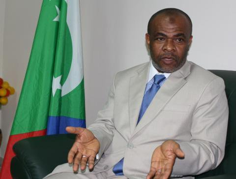"""Comores ; Le gouverneur d'Anjouan qualifie la France de """"génocidaire"""""""