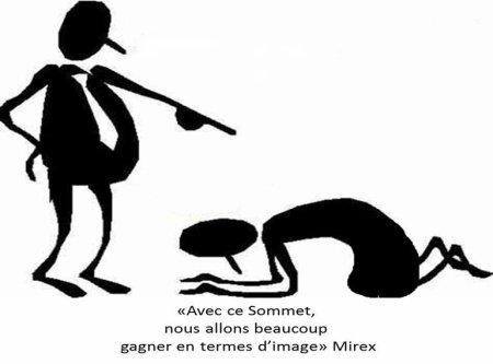 COMORES : Hollande arrive ! Depuis le temps…