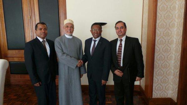 Sambi s'est entretenu avec le président malgache