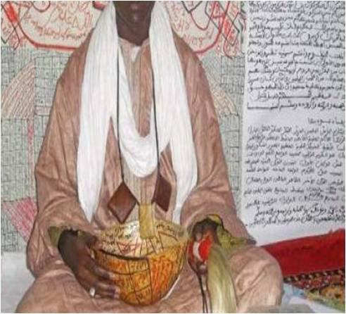 COMORES : Révélations  d'un marabout guinéen sur la chute d'IKILILOU
