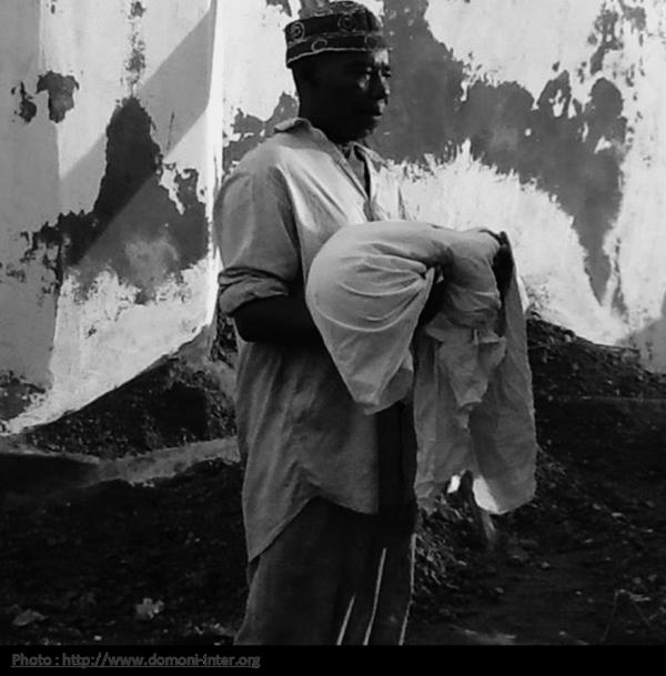 Comores / 30 oct 15: Le visa BALLADUR a encore tué mais dans le silence