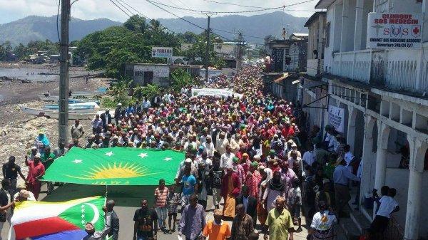 Anjouan le 15/11/15. La marche JUWA impressionnante.