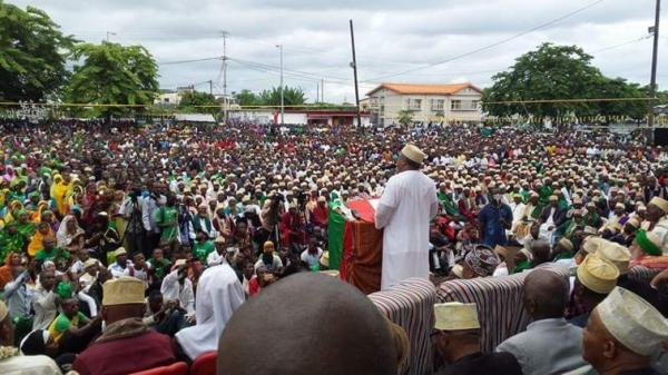 Comores / Pari gagné : MAître FAHMI a tenu un giga meeting à Moroni