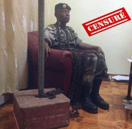 COMORES : Le Chef de Corps s'est enchainé dans son bureau