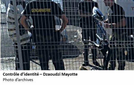 La France aux Comores : langue mielleuse et c½ur de fiel