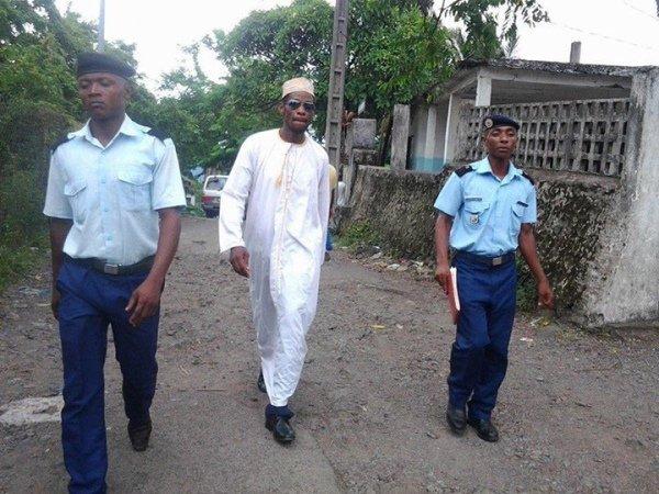 COMORES / Abdallah Agwa : Faut-il le défendre ?