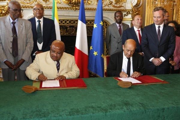Feuille de route France - Comores ou reconnaissance de Mayotte en tant qu'entité à part