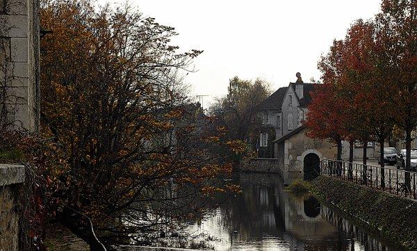 1742  *  Petite visite de Chablis ( Les bords du Serein )