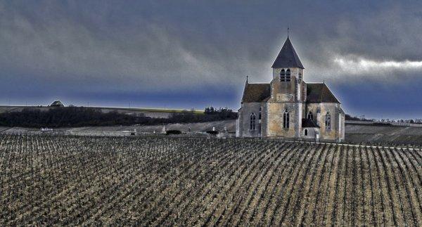 2002  *  La chapelle des vignes.