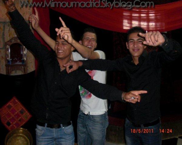 Boom au Chicha' club !