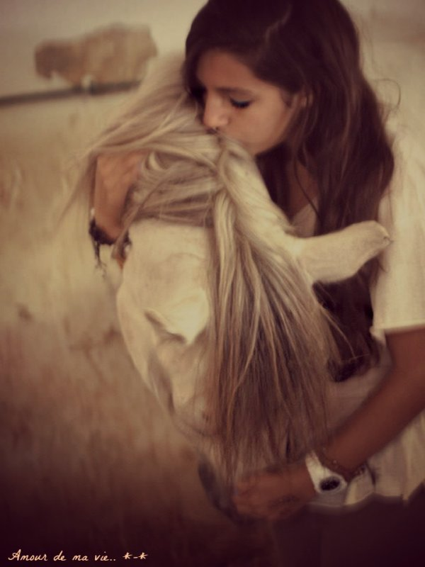 -Tu sais poney, je t'aime jusqu'au plus profond de la galaxie. *-* ♥