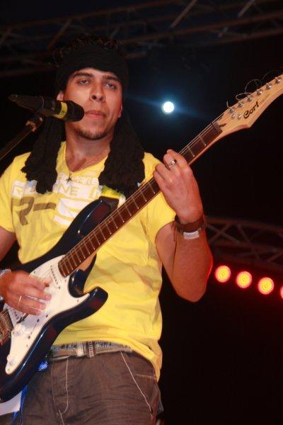^^Play The Muzik^^
