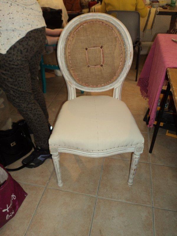 Suite de mes chaises médaillon