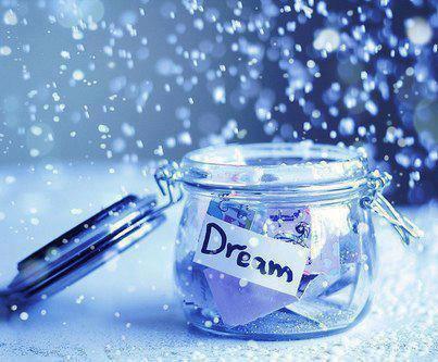 احلامنا ايضاً تنتهي مدة صلاحيتهآ حين يطول بقاؤها في علب الخيال ....... !!!!