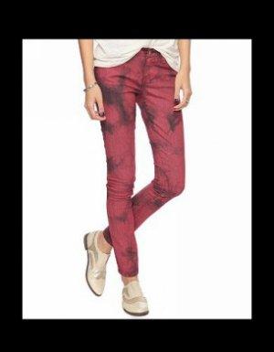 Un jean tie and dye