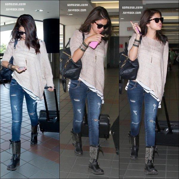 """Le 12/06/12 : Selena à été vu a la soirée pour l'association """"Les droits de l'enfant"""". Top ou Flop ?"""