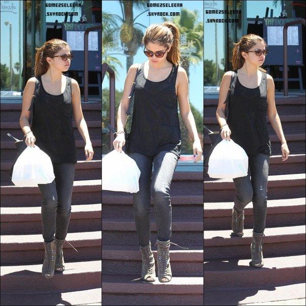 Le 07/07/12 : Sel' à été vu dans Los Angeles.Top ou Flop ?