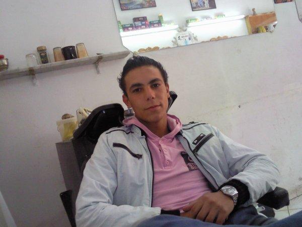 jalal  !!  =p  Dima Chay3ine !