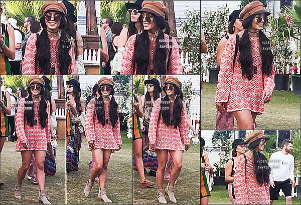 * 16/04/17 : Vanessa a participé au troisième jour du festival « Coachella Music & Arts Festival » dans Indio. Vanessa était accompagnée de ses amies Ashley Tisdale, Natalie Saidi, Kim Hidalgo. Vanessa est très jolie. Je suis fan de sa tenue - C'est un Top !  *