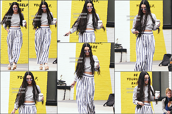 * 20/03/17 : Vanessa a été aperçue alors qu'elle quittait le « Alfred Coffee & Kitchen » - situé dans Studio City. Vanessa est très jolie. Je suis vraiment fan de ses extensions. J'aime beaucoup la tenue qu'elle porte. Ses lunettes de soleil sont superbes. Donc Top  *