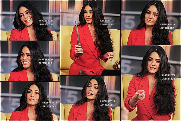 * 22/03/17 : Vanessa était invitée sur le plateau de l'émission « Good Day New York » - dans le studios de Fox. Vanessa a parlé surtout du jeu Bubble Witch Saga 3. Elle est toute ravissante. J'aime bien sa coiffure et son maquillage. Sa tenue est superbe. Top.  *