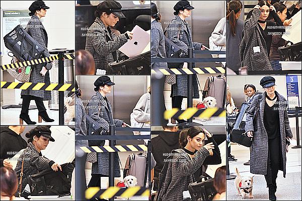 * 19/11/17 :    Nessa Hudgens a été photographiée, alors qu'elle arrivait à l'aéroport « LAX » - se situant à Los Angeles. Vanessa est superbe. La casquette noire lui va bien je trouve. J'aime beaucoup aussi la tenue qu'elle porte, sa robe est très jolie - C'est un Top pour moi.  *