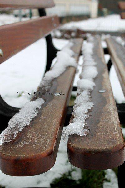 Le bonheur est comme la neige : il est doux, il est pur et... il fond.