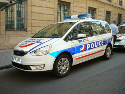 Ford Galaxy de la Police Nationale