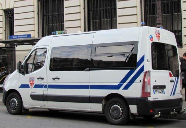 Renault Master du Service de CRS de la Police Nationale